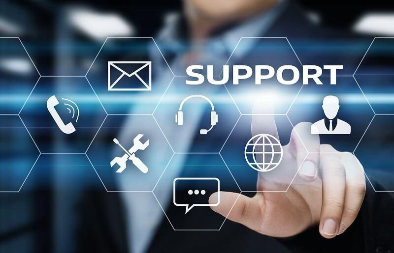 Magento vs. Sitecore: Support